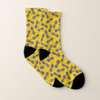 Ananas auf Gold Socken