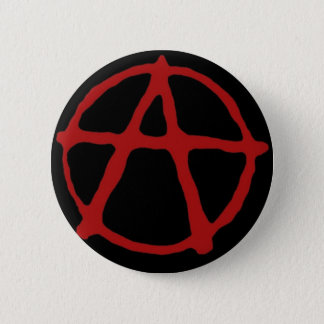 Anarchie. Schwarzer T - Shirt mit rotem Symbol Runder Button 5,1 Cm