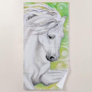 Andalusisches Pferd im Grün Strandtuch