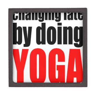 ÄNDERNDES SCHICKSAL, das Yoga faulen Schachtel