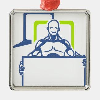 Androider Roboter, der leeres Zeichen hält Quadratisches Silberfarbenes Ornament