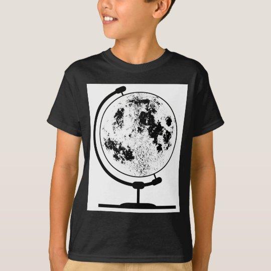 Angebrachte Mondkugel auf drehendem Schwenker T-Shirt
