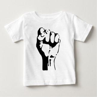 Angehobene Faust des Trotzes/des Widerstands Baby T-shirt