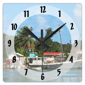 Angekoppelte Boote bei Antigua Quadratische Wanduhr