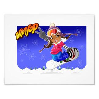 Angesagtes HopfenCartoon-Mädchen auf Snowboard Foto Druck