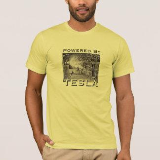 Angetrieben durch Tesla T-Shirt