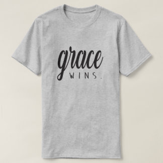 Anmut-Gewinne T-Shirt