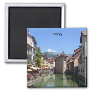 Annecy - quadratischer magnet