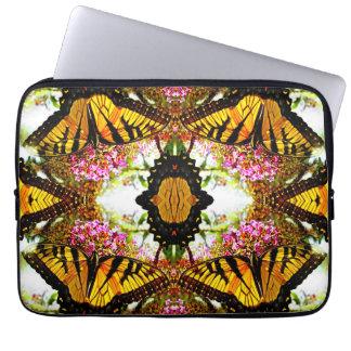 Ansammlung der Schmetterlinge… Laptopschutzhülle