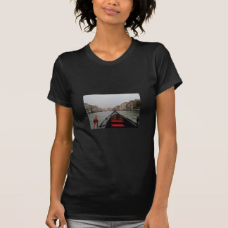 Ansicht des Canal Grande von einer Gondel T-Shirt