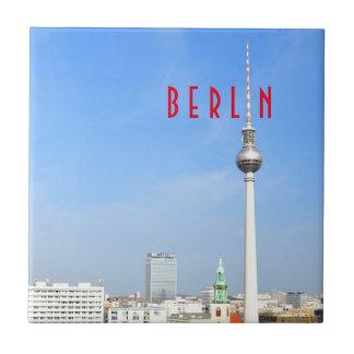 Ansicht des Fernsehturms in Berlin, Deutschland Keramikfliese