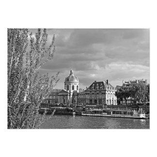 Ansicht des Louvre von den Banken der Seines Fotodruck