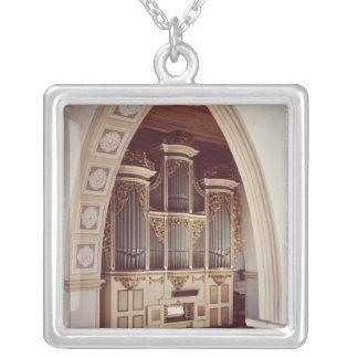 Ansicht des Organs in der Kirche bei Rotha Versilberte Kette
