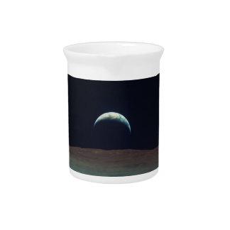 Ansicht von Planetenerde vom Mond Getränke Pitcher