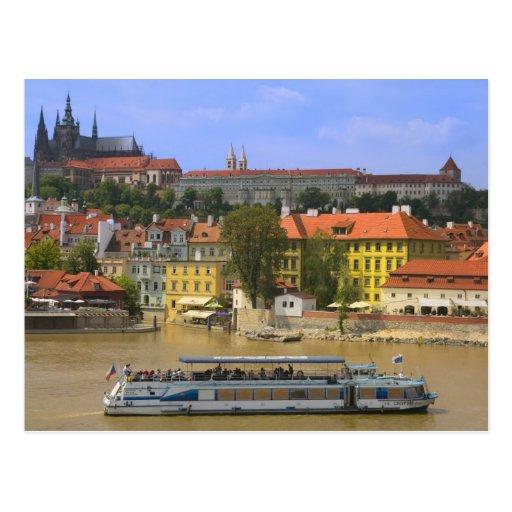 Ansicht von Pragschloss und -stadt durch die Molda Postkarte