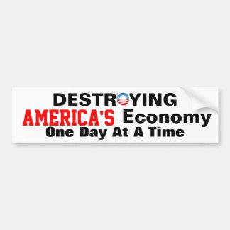 Anti-Obama, der Amerikas Wirtschaft zerstört Autoaufkleber