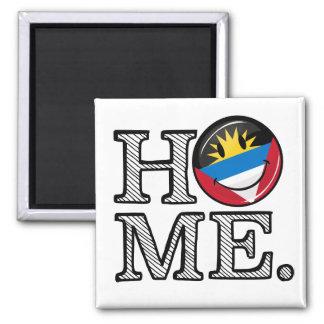 Antigua und Barbuda-lächelnder FlaggeHousewarming Quadratischer Magnet
