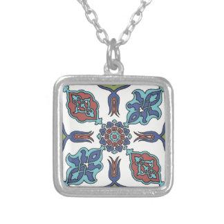 Antike dekorative Blumen-Blumenentwurf Halskette