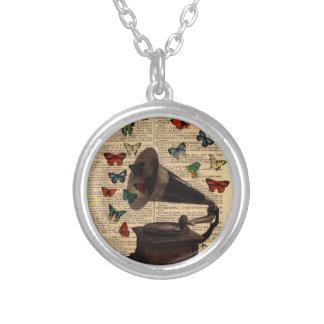 Antike Halskette Mit Rundem Anhänger