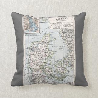 Antike Karte von Dänemark, Danmark auf Danish, Kissen