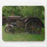 Antike Metallrad-Traktoren Mauspads