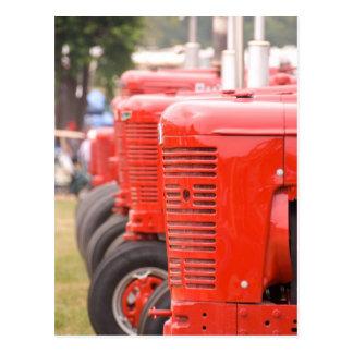 Antike rote Traktoren Postkarte