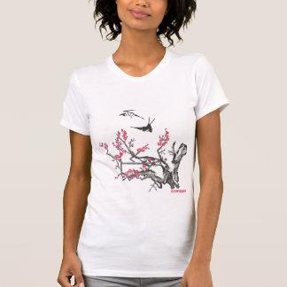Antiker asiatischer Kirschholzschnitt mit Spatzen T-Shirt