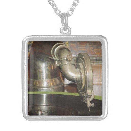 Antiker Plattenspieler Halskette