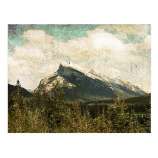 Antiker rustikaler Berg Rundle Postkarte