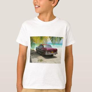 Antikes Auto in Kuba-Strand T-Shirt