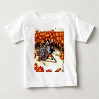antikes Land der Unze-Zinnwoodman-Vogelscheuche Baby T-shirt