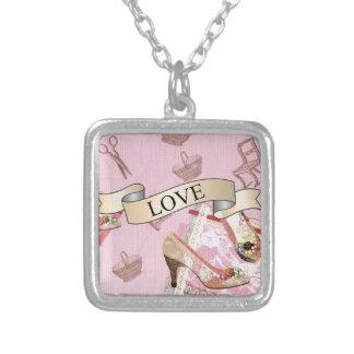 Antikes Shoes_Pink Halskette Mit Quadratischem Anhänger