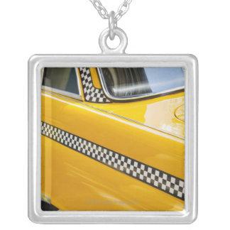 Antikes Taxi Halskette Mit Quadratischem Anhänger