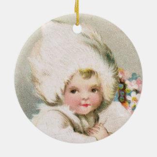 Antikes Winter-Schnee-Baby mit Blumen-Verzierung Rundes Keramik Ornament