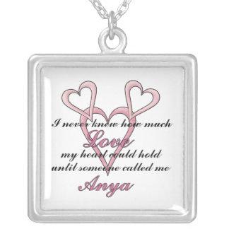 Anya (ich wusste nie), Halskette Mutter Tages