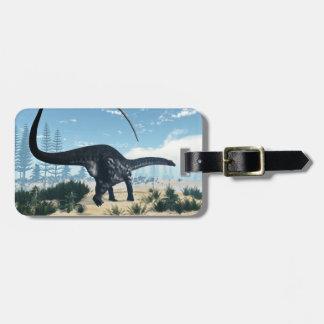 Apatosaurusdinosaurier in der Wüste - 3D Gepäckanhänger