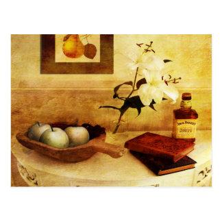 Äpfel und Birnen in einer Halle Postkarte