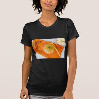 Apfelmus mit Zimt und orange Löffel T-Shirt