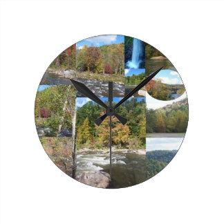 Appalachia-Collage Runde Wanduhr