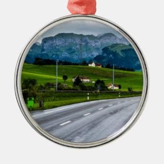 Appenzell Alpen während eines Regens stürmen - die Rundes Silberfarbenes Ornament