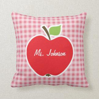Apple erröten an rosa Gingham Kissen