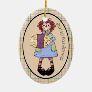 "April Raggedy Ann ""Frühling hat entsprungene"" Ovales Keramik Ornament"