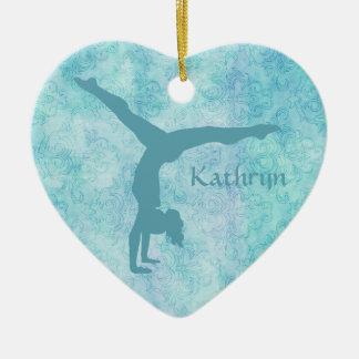 AquaGymnast auf aquamarinem Muster Keramik Ornament