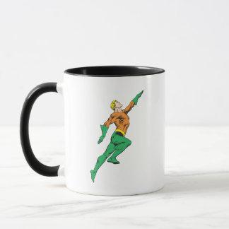 Aquaman springt oben tasse