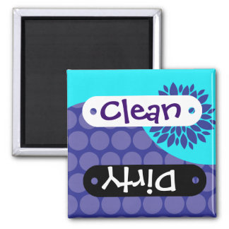 Aquamarine Blumen-lila sauberer schmutziger Spülma Quadratischer Magnet