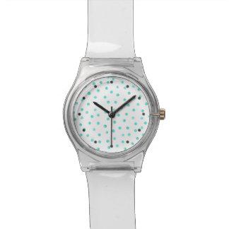 Aquamarines blaues weißes Confetti-Punkt-Muster Uhr
