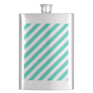 Aquamarines und weißes diagonales Streifen-Muster Flachmann