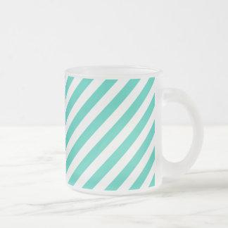 Aquamarines und weißes diagonales Streifen-Muster Mattglastasse