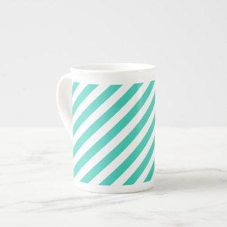 Aquamarines und weißes diagonales Streifen-Muster Porzellantasse
