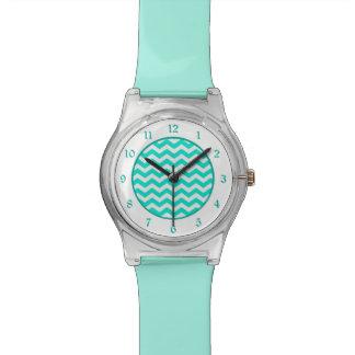 Aquamarines weißes Zickzack Uhr